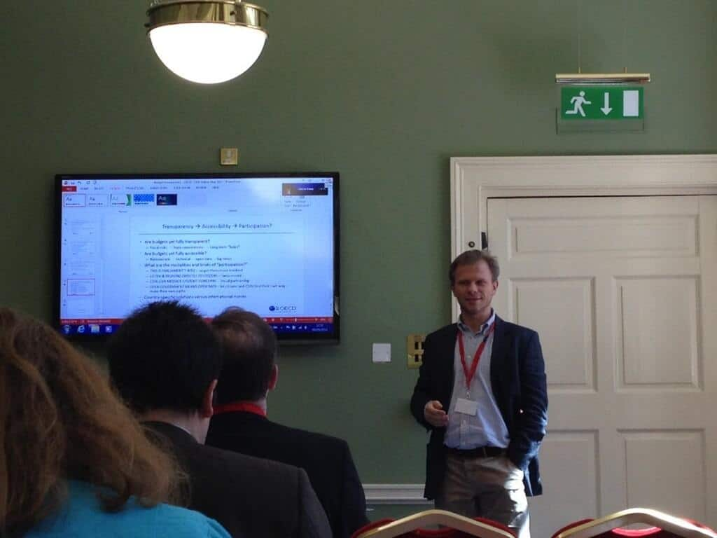 Paolo de Renzio speaking about fiscal transparency in  a session at OGP Dublin.