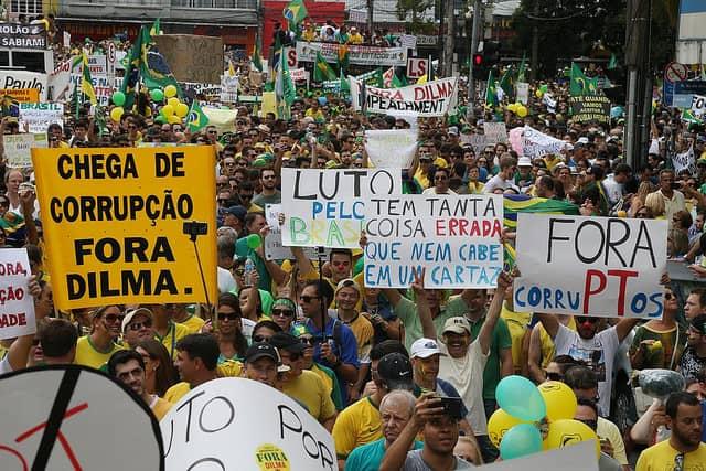 March 2015 anti-corruption protest in São Paulo. Credit: Radio Interativa/Flickr
